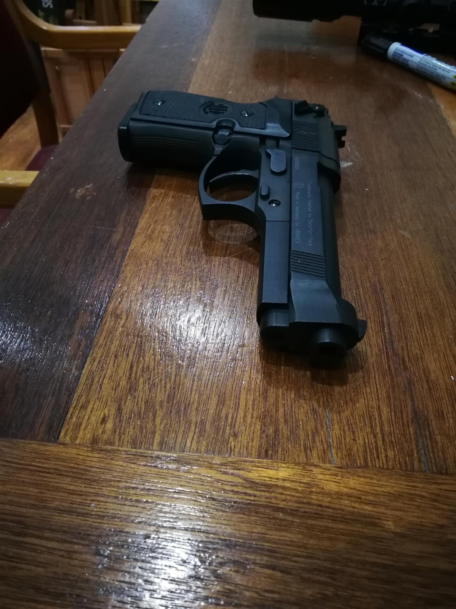Umarex beretta m92fs pellet pistol