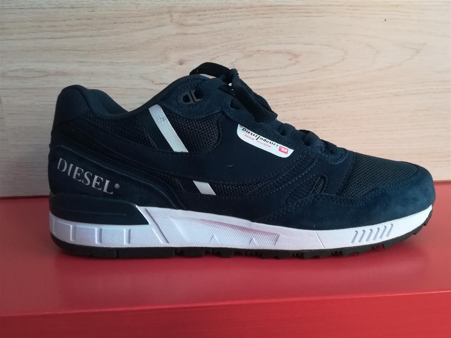 0a1352b5e99cf0 Diesel Sneakers for Sale R900