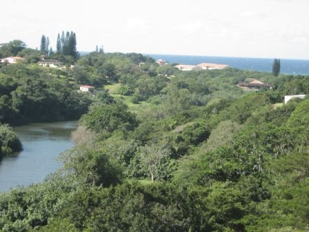 PARADISE AT A SMALL PRICE SEA AND RIVER VIEWS 4 BEDROOM HOUSE PLUS FLAT R1,600,000 UMTENTWENI
