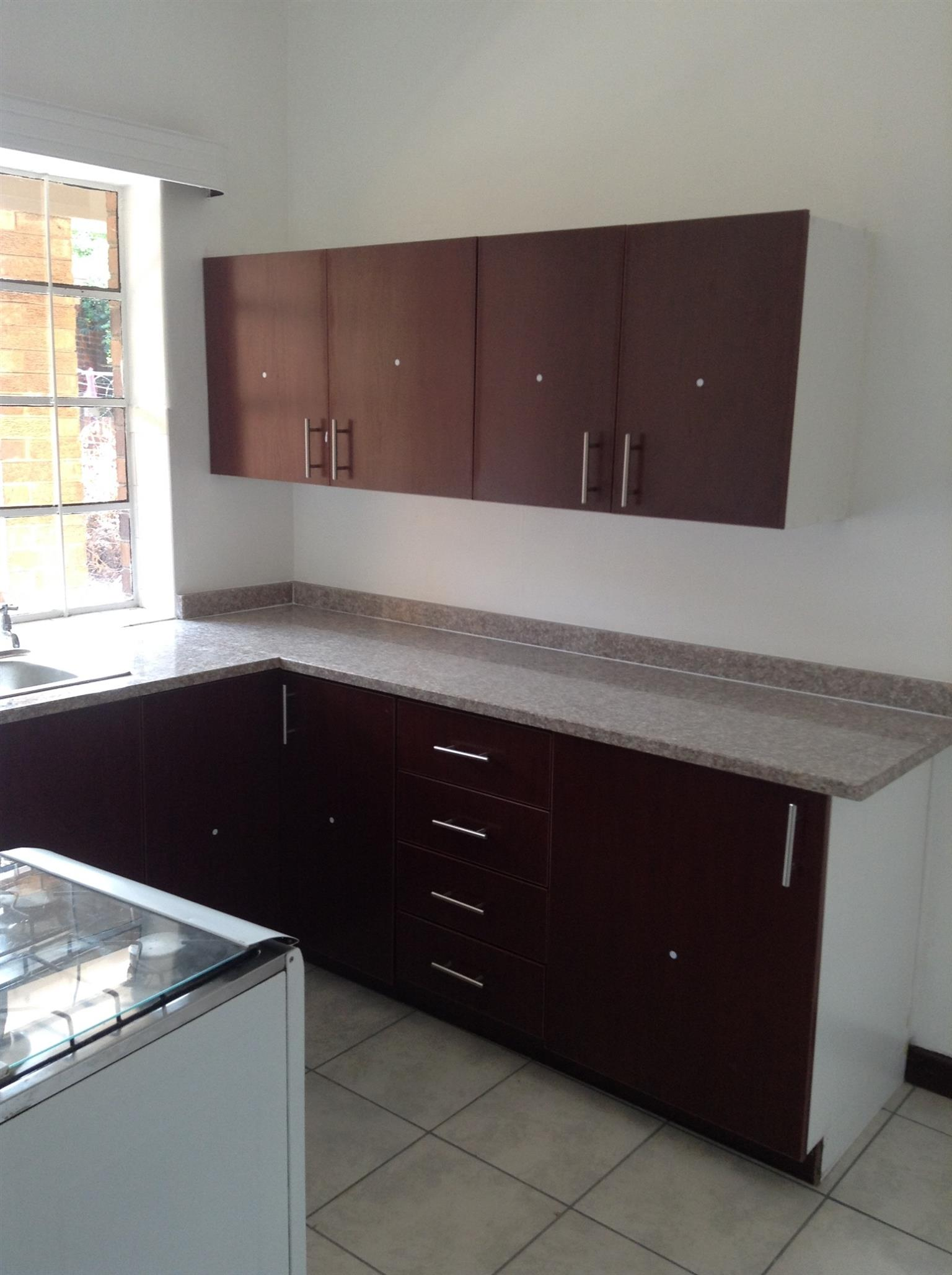 Bordeaux 3bedroomed flat to rent for R6000