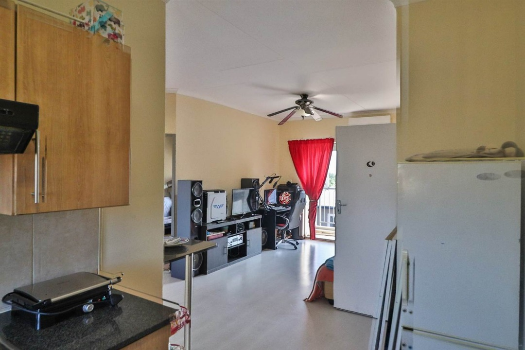 Apartment For Sale in Ferndale