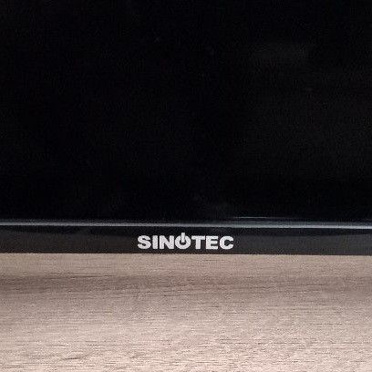 58 inch sinotec led tv like new with a remote