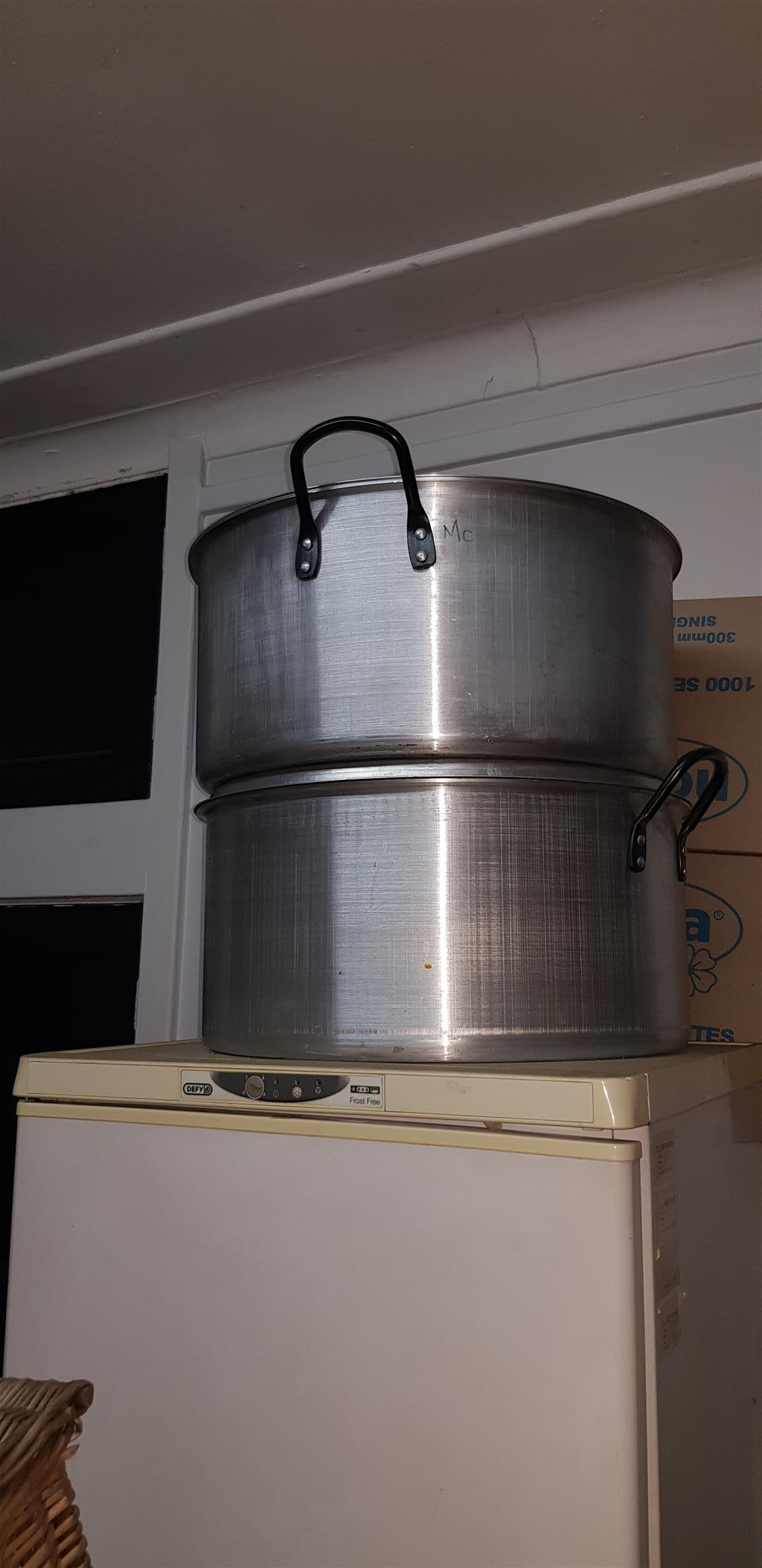Large catering pots