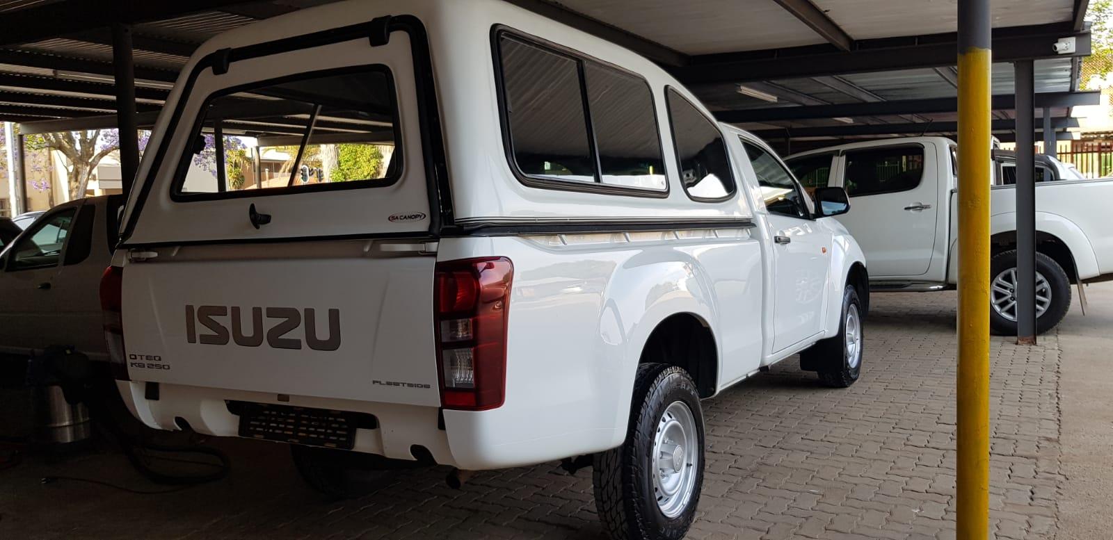 2017 Isuzu KB single cab KB 250D LEED FLEETSIDE P/U S/C