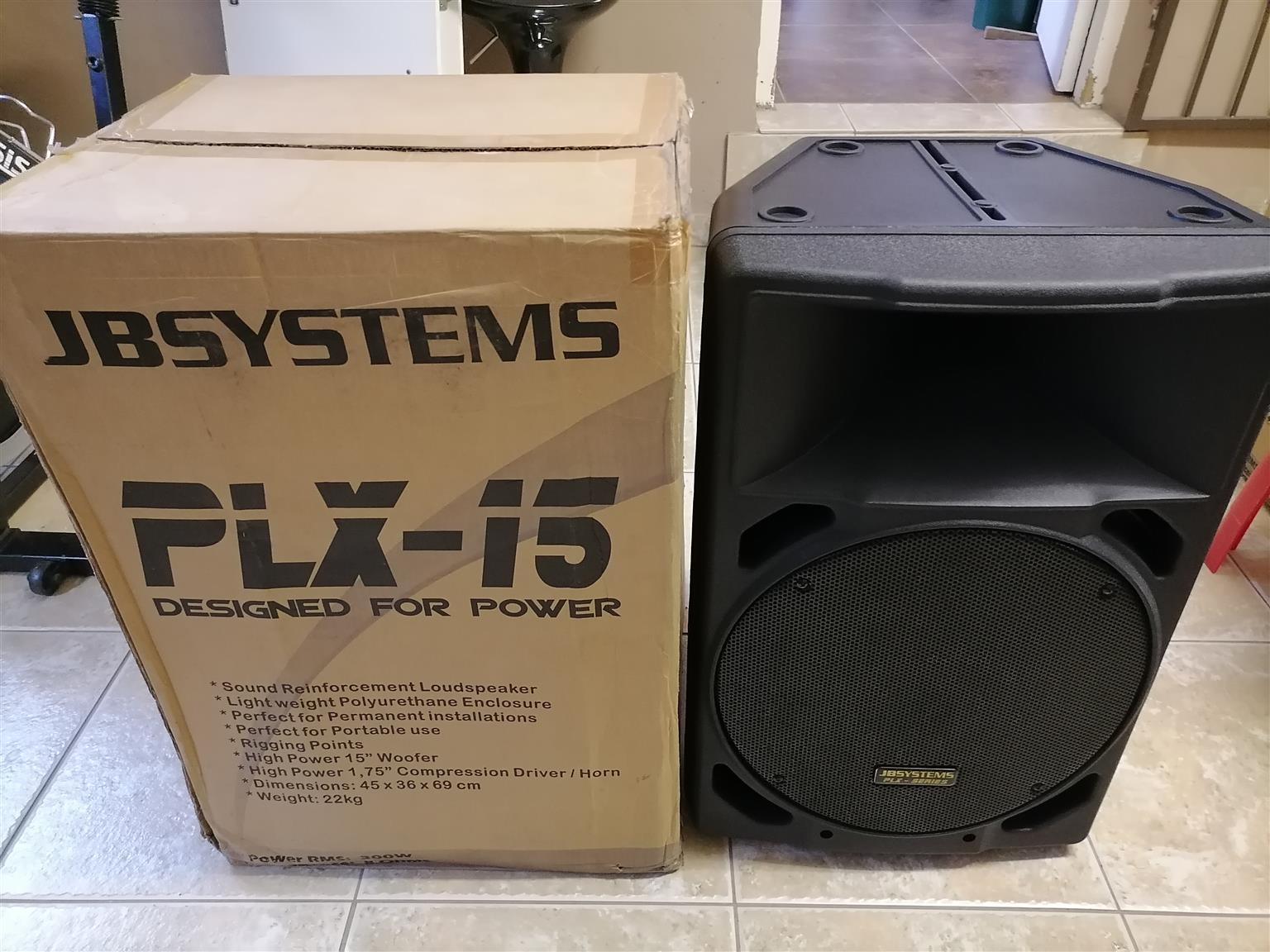1 x Pair 15 Inch 300 watt Passive Speaker in pristine condition