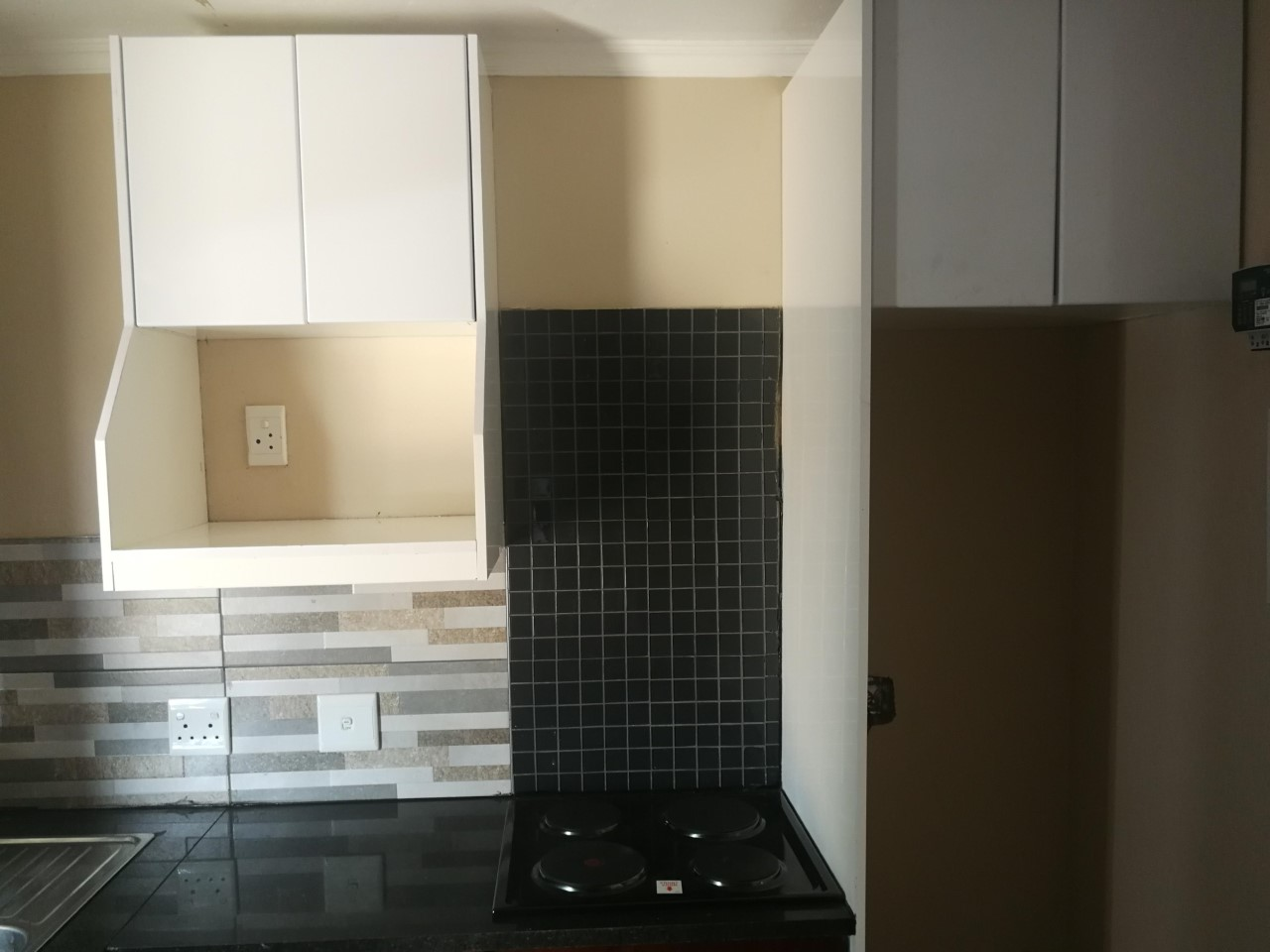 Newly built 1 bed and 1 Bathroom bachelor apartments in Clayville ext 26