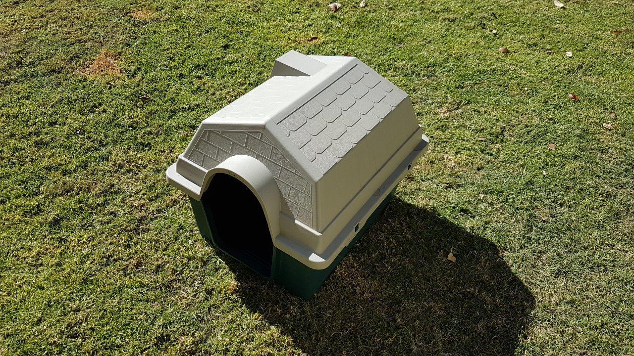 Medium size dog house for sale