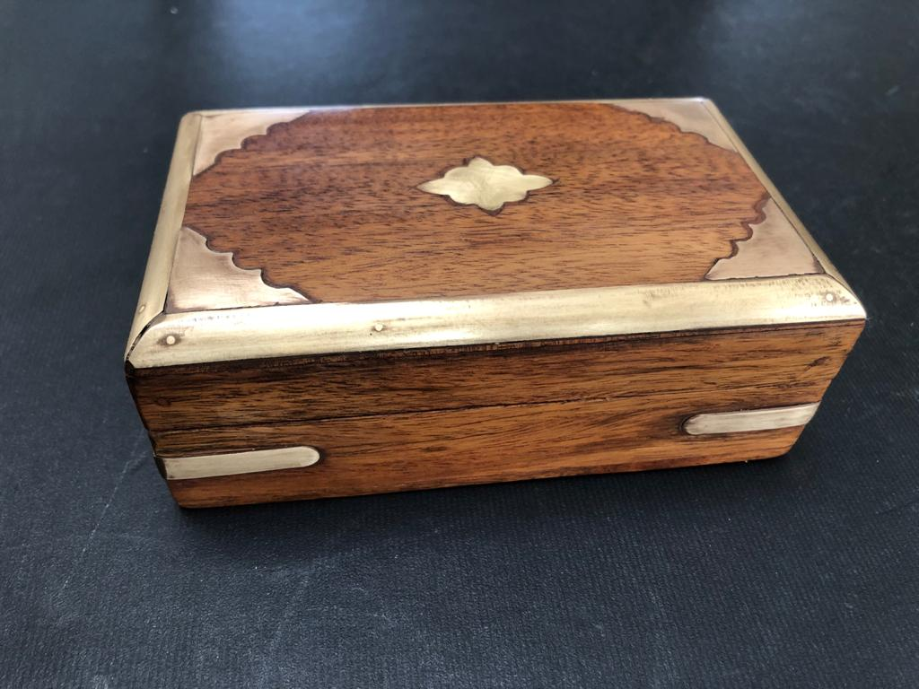 Exotic compact solid wood Indian jewellery box with brass inlay