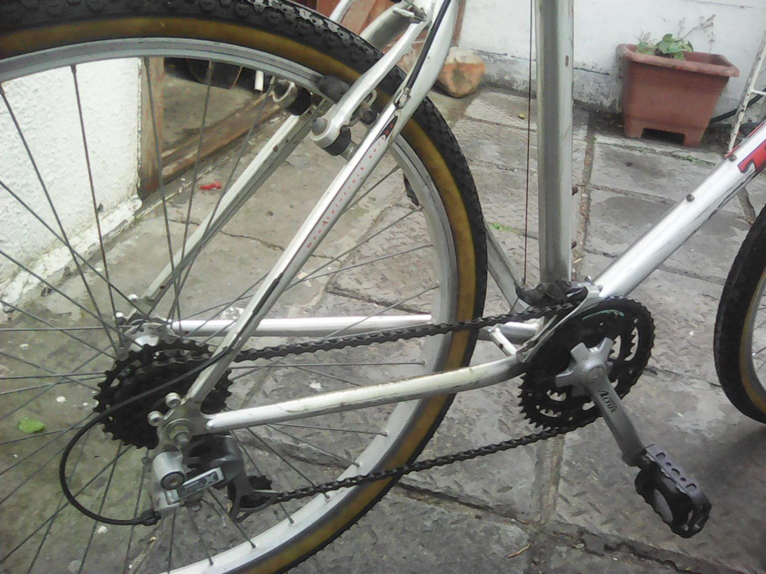 Preloved 53,5cm Trek mountainbike