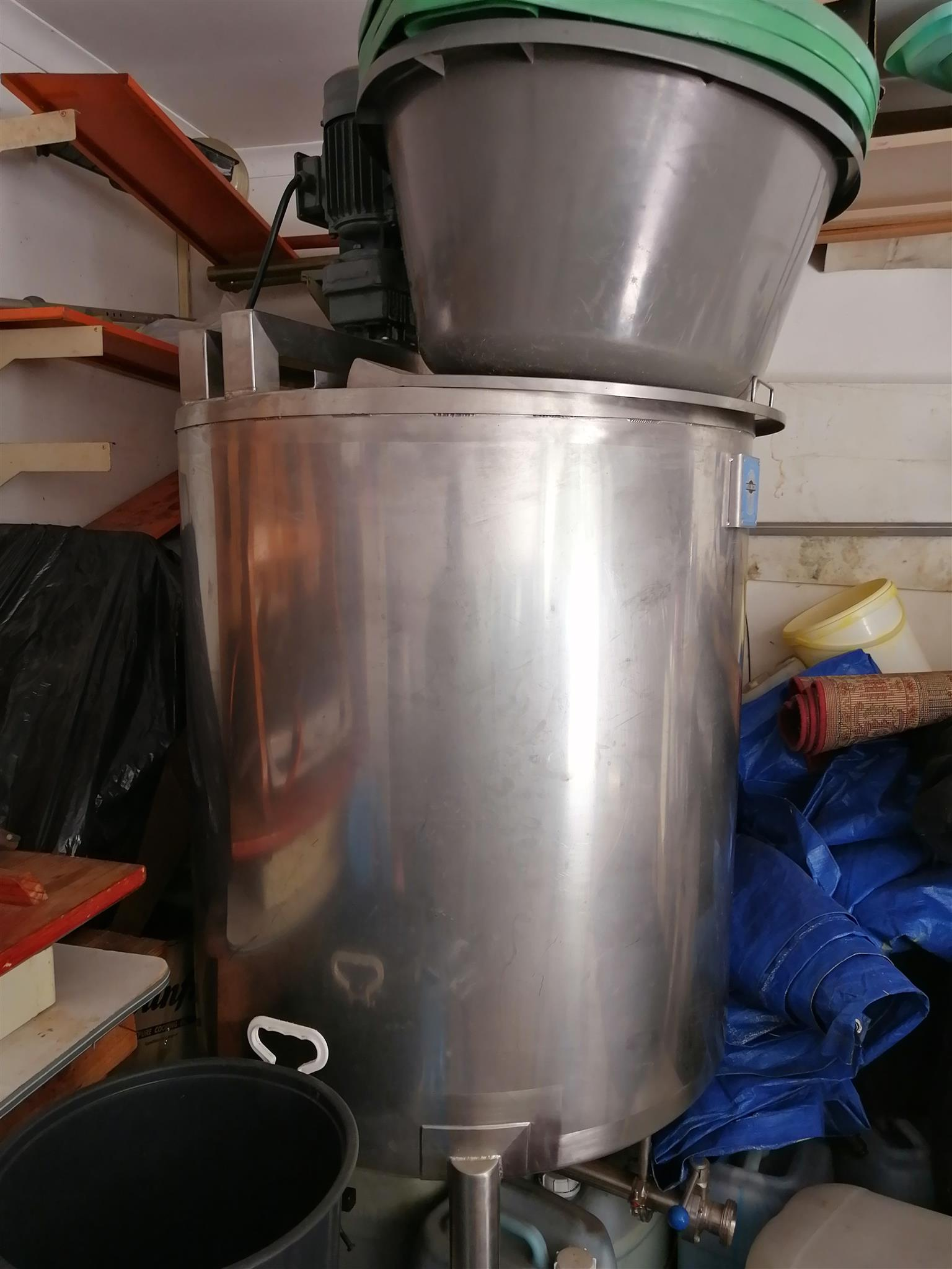 Industrial chemical/dairy mixing machine