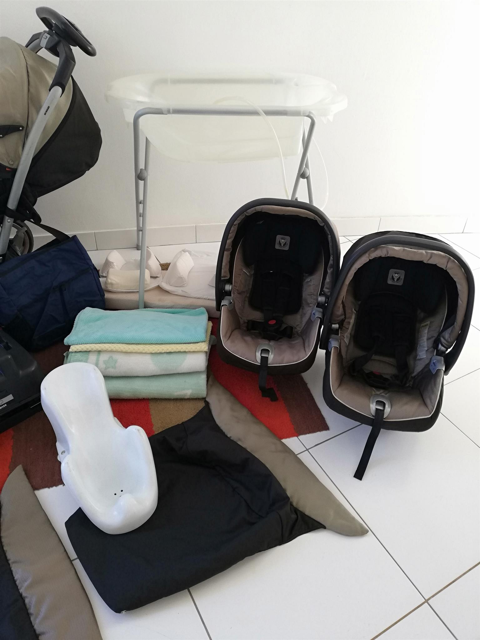 PEG PEREGO COMPLETE TWIN TRAVEL SET WITH EXTRAS