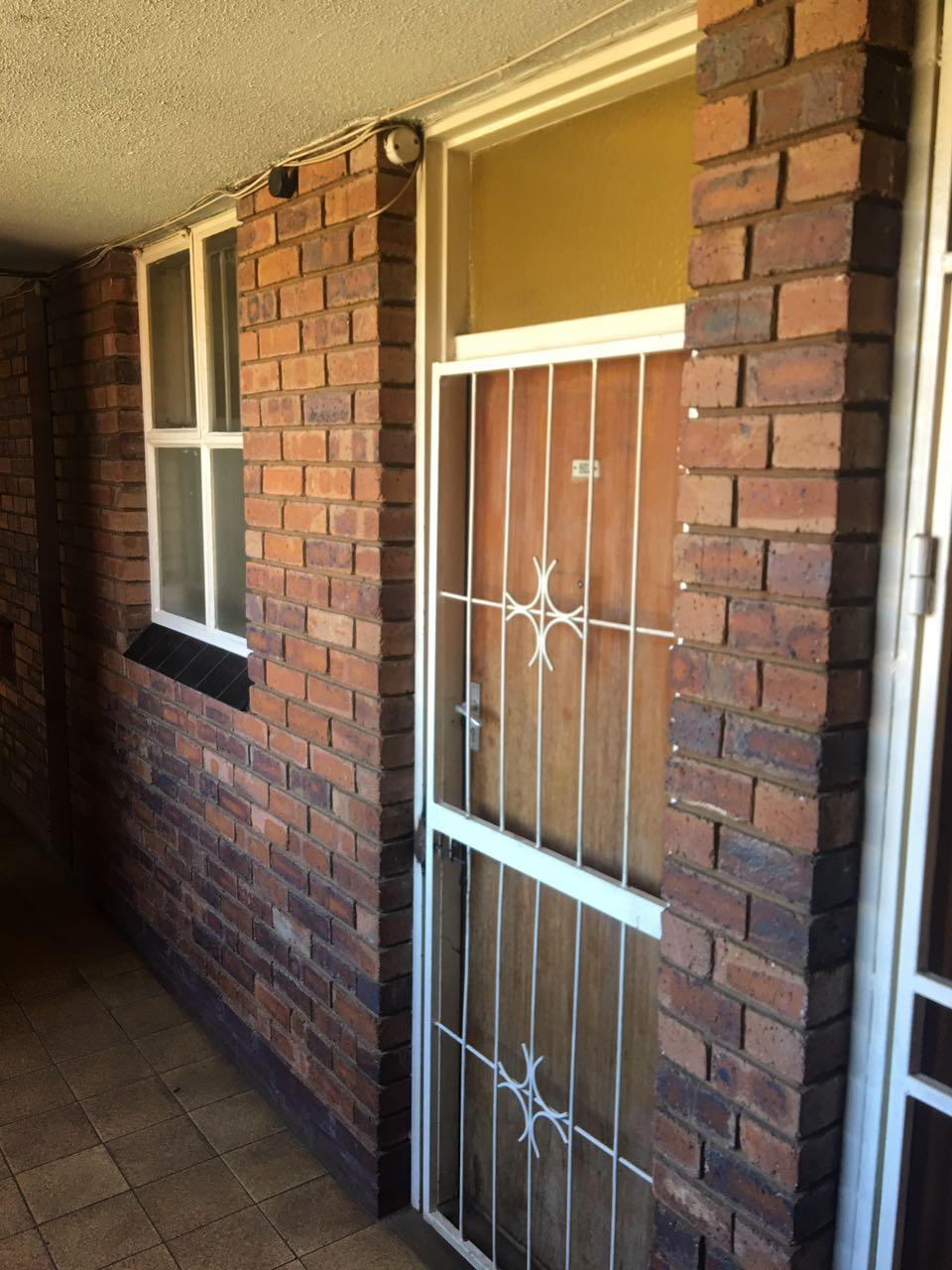 1.5 Bedroom Available for Rent, North Gardens, Pretoria North | Junk ...