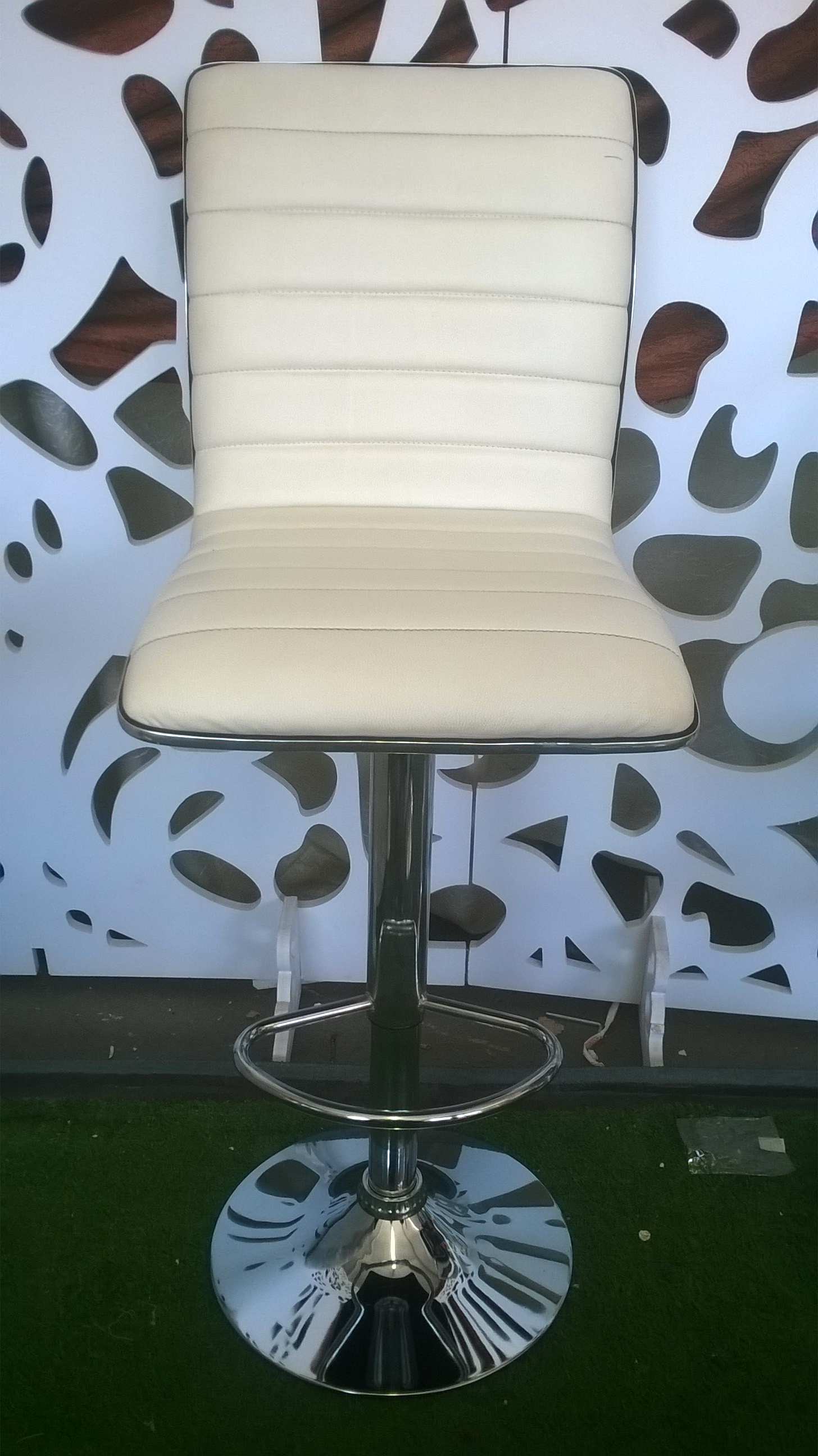 Bar Stools for sale at Wholesale prices.