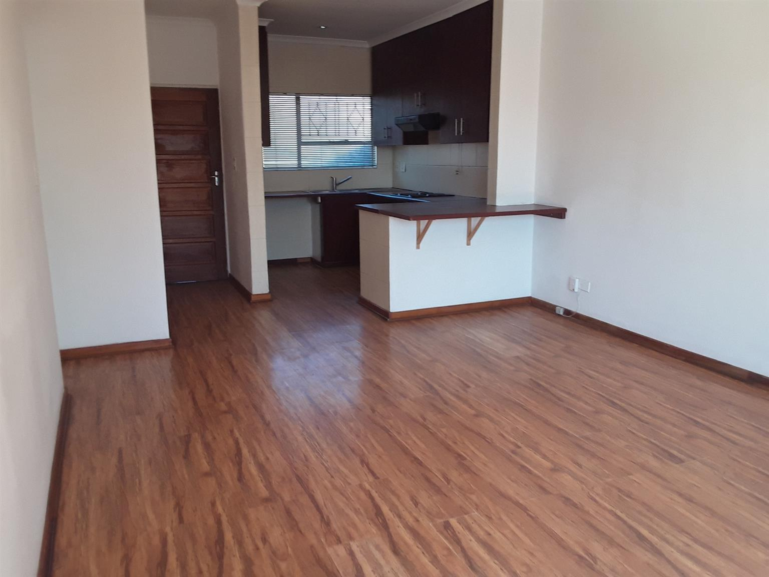 Townhouse For Sale in Buccleuch