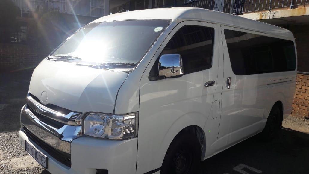 2016 Toyota Quantum 2.7 GL 10 seater bus