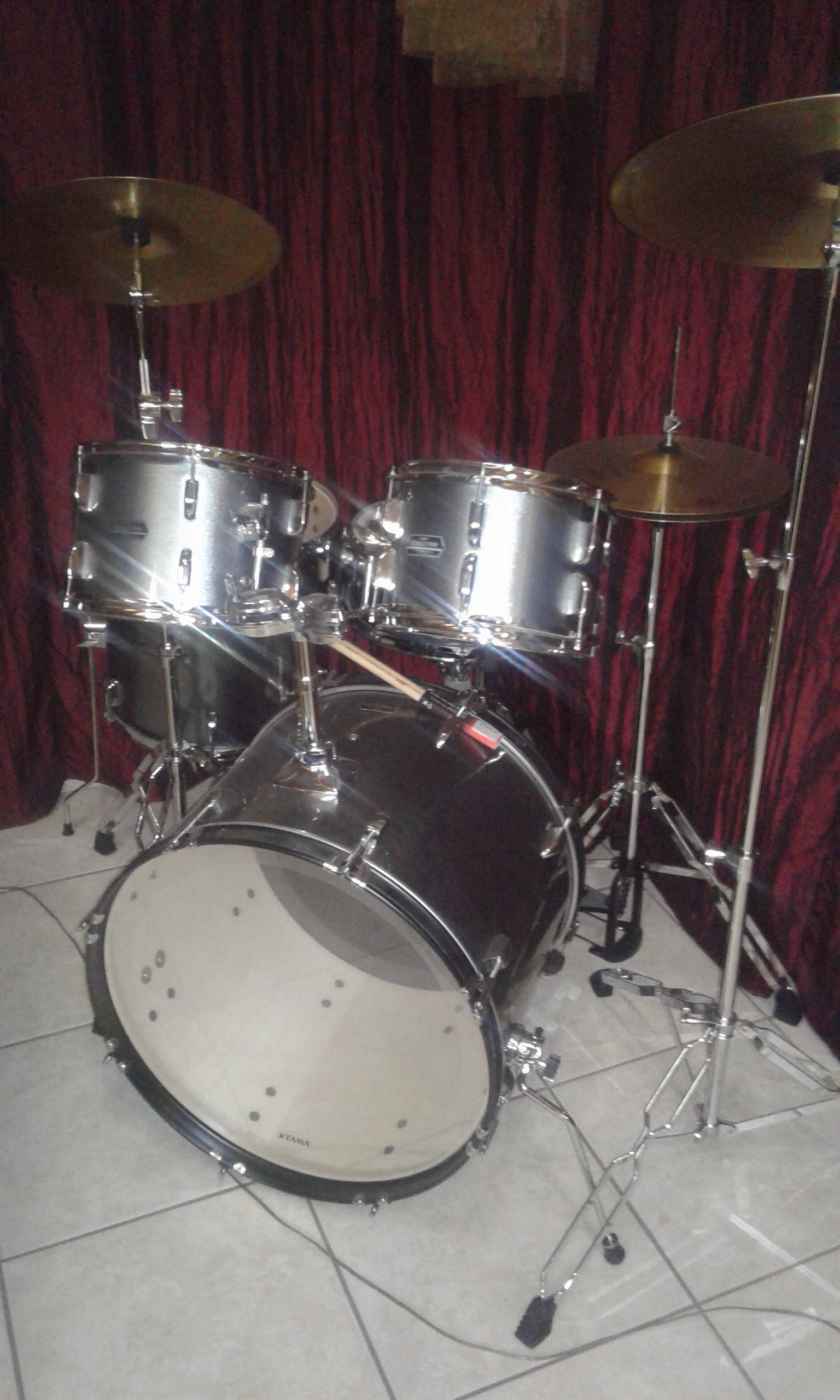 """8 piece """"Stagestar"""" acoustic drums for sale"""