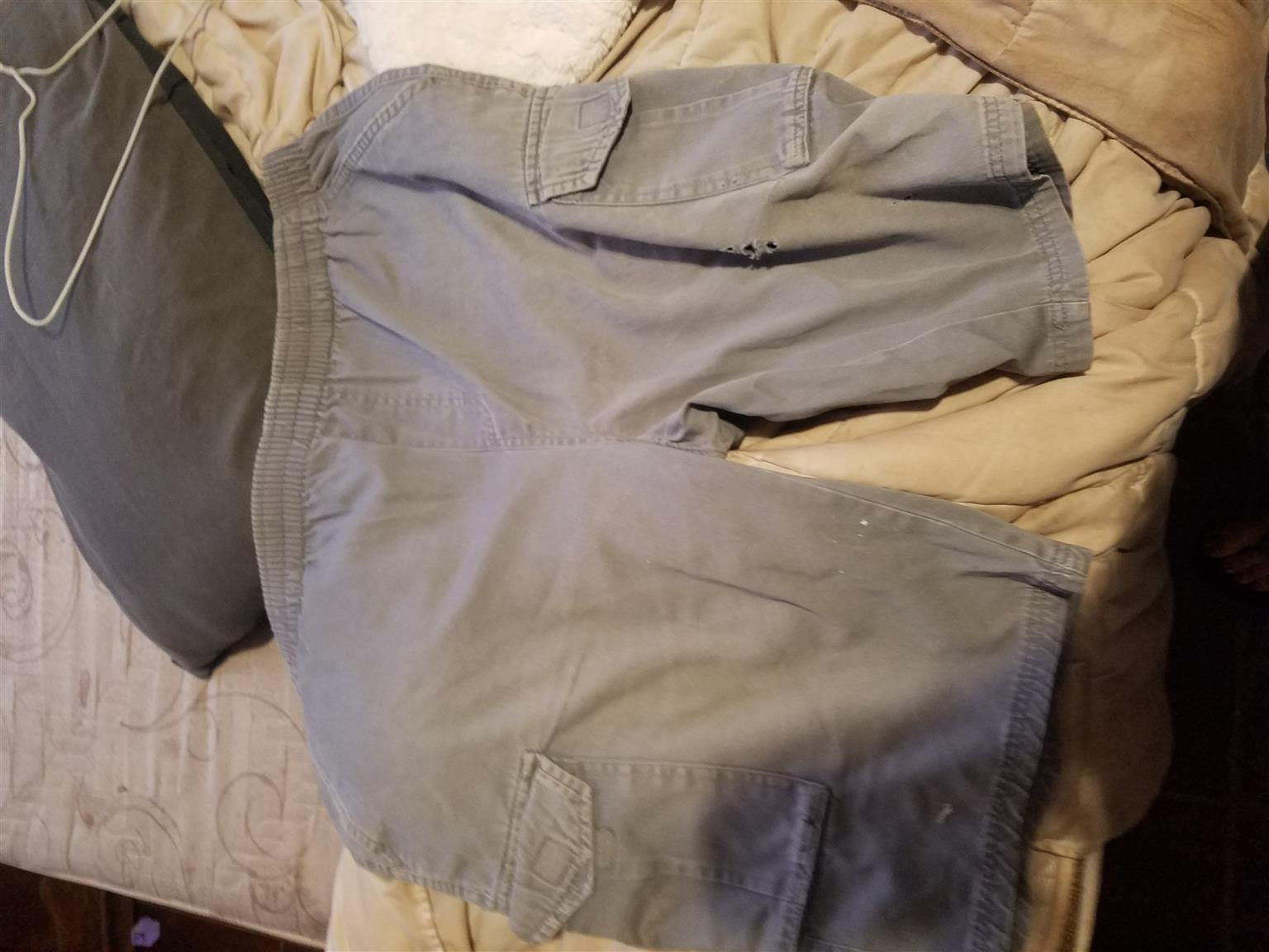 Second hand men women and kids clothes