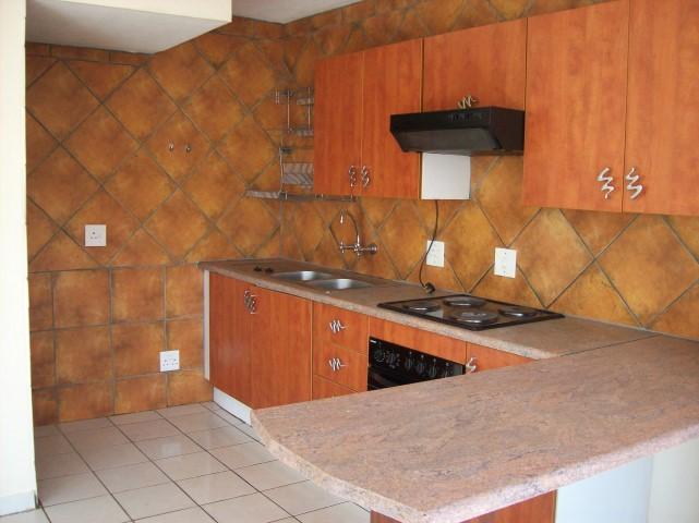 3 Bedroom, 2 Bathroom Duplex to Rent