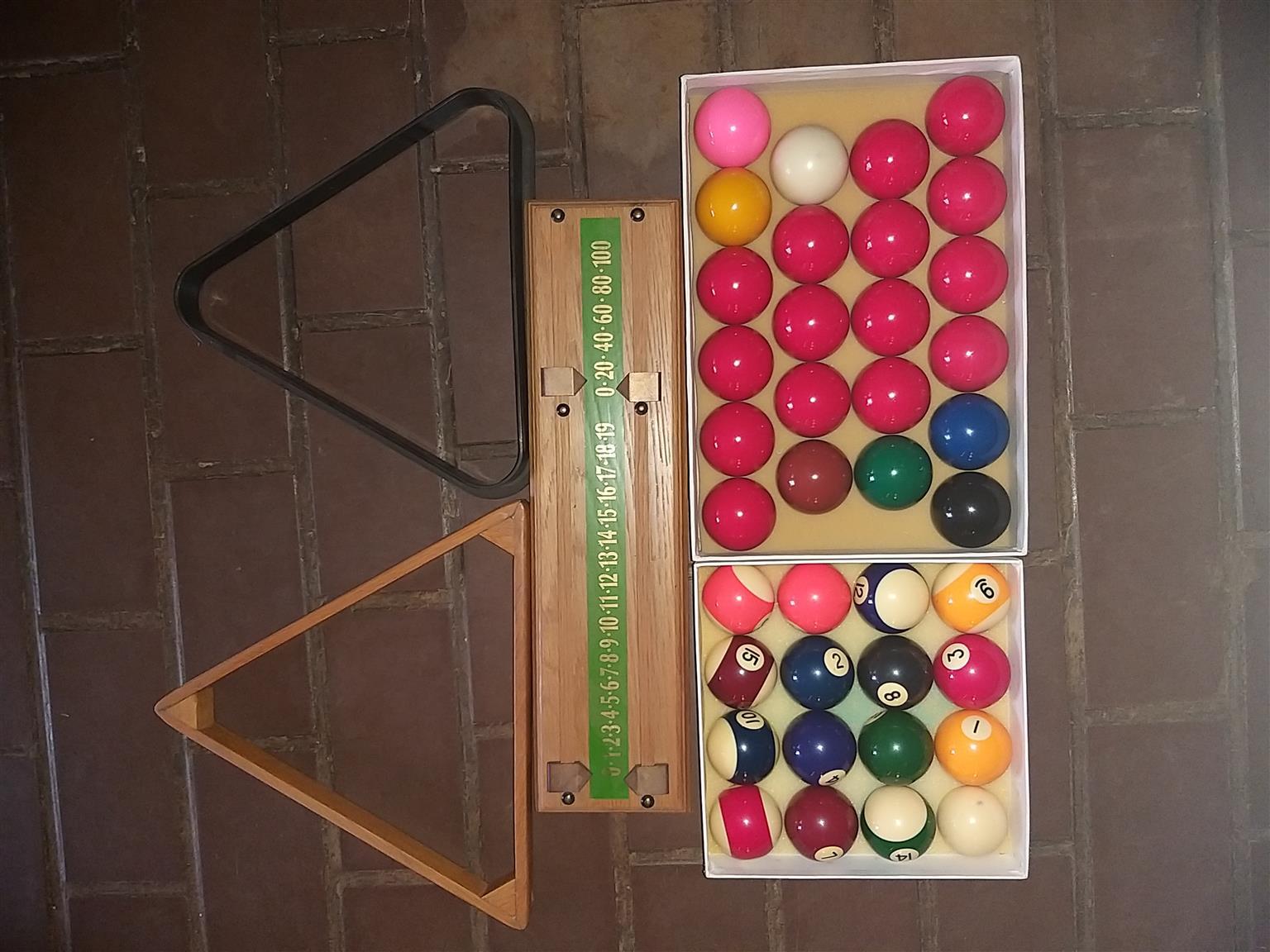 3/4 American oak, Italian slate Snooker table