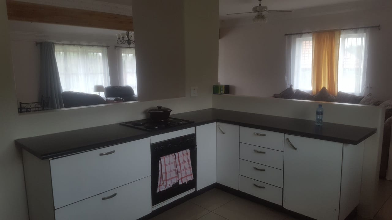 Rooms to Rent in a 3 Bedroom House in Pinetown