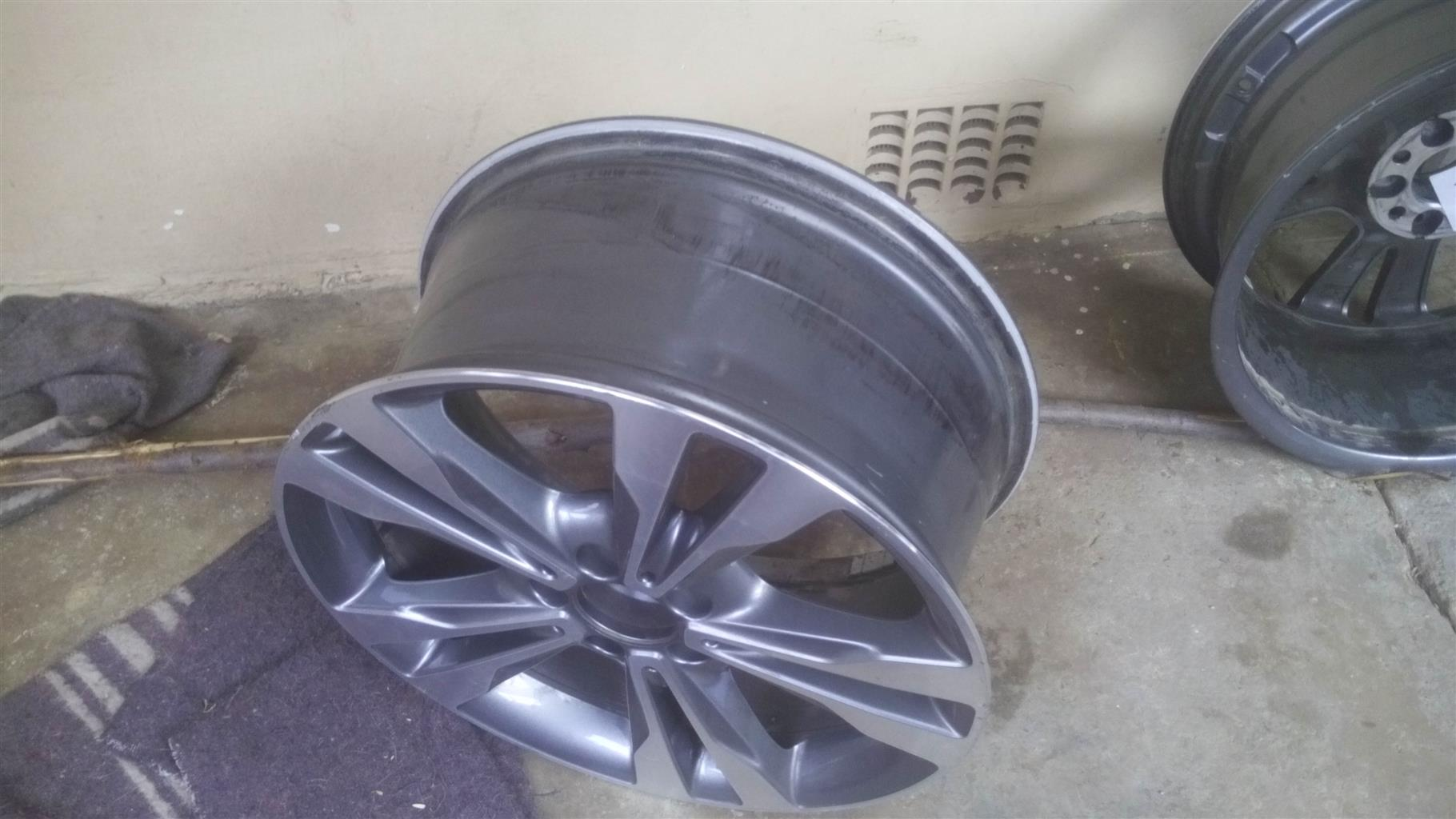 Mercedes 18 inch rims rear mags