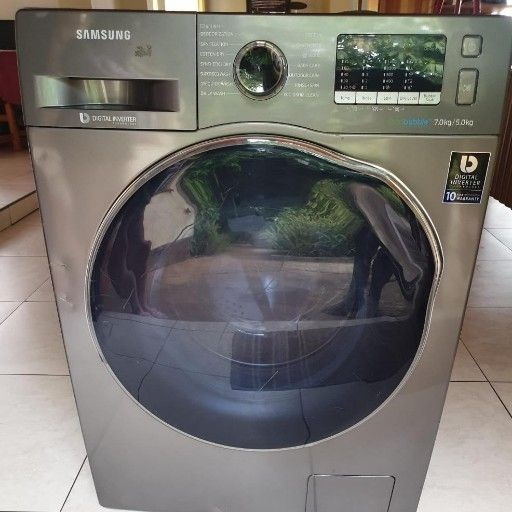 Samsung Ecobubble WD70J5410AX/FA Washer and dryer combo