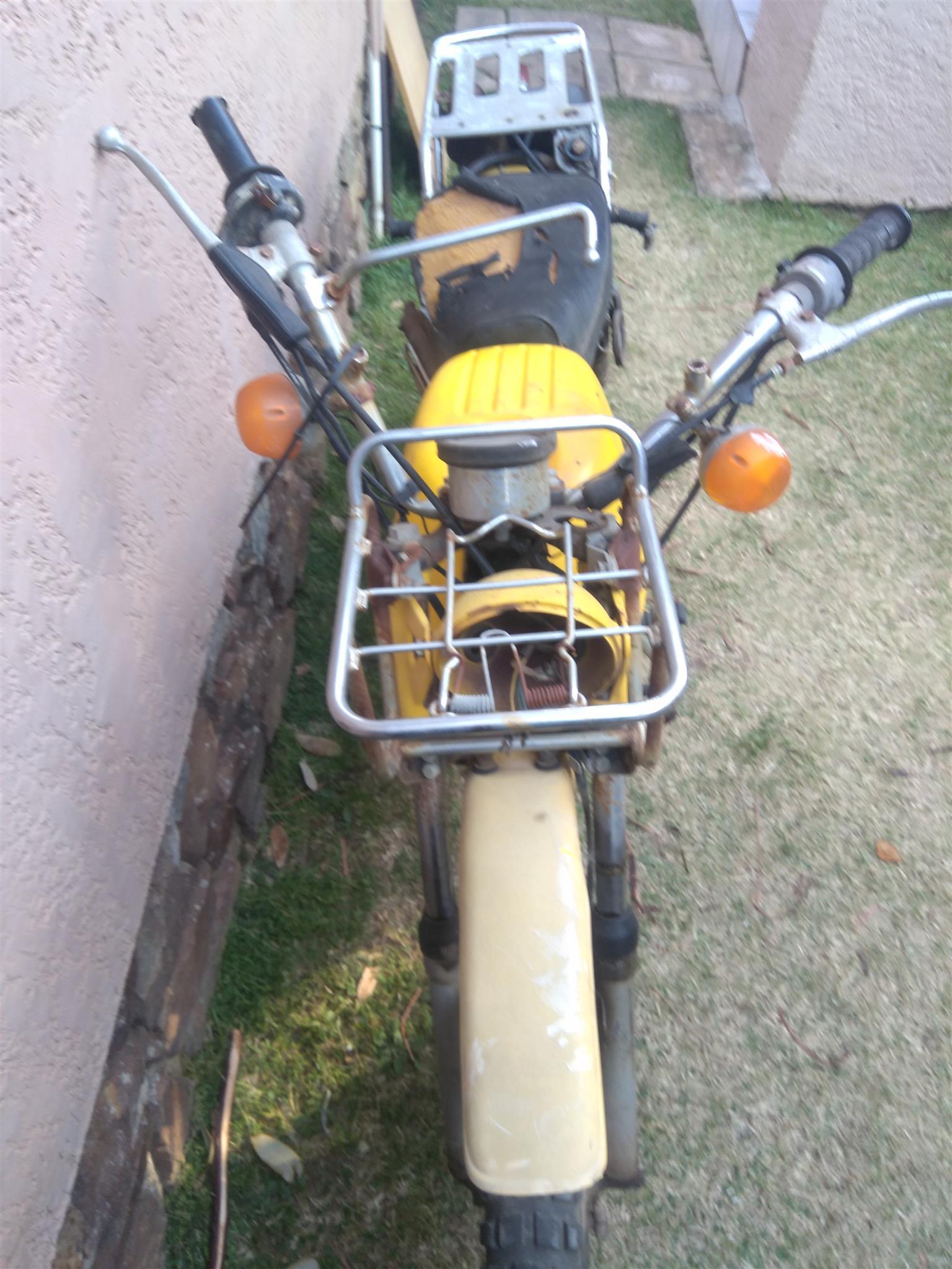 Yamaha AG100  1976 Project Bike Non-Runner