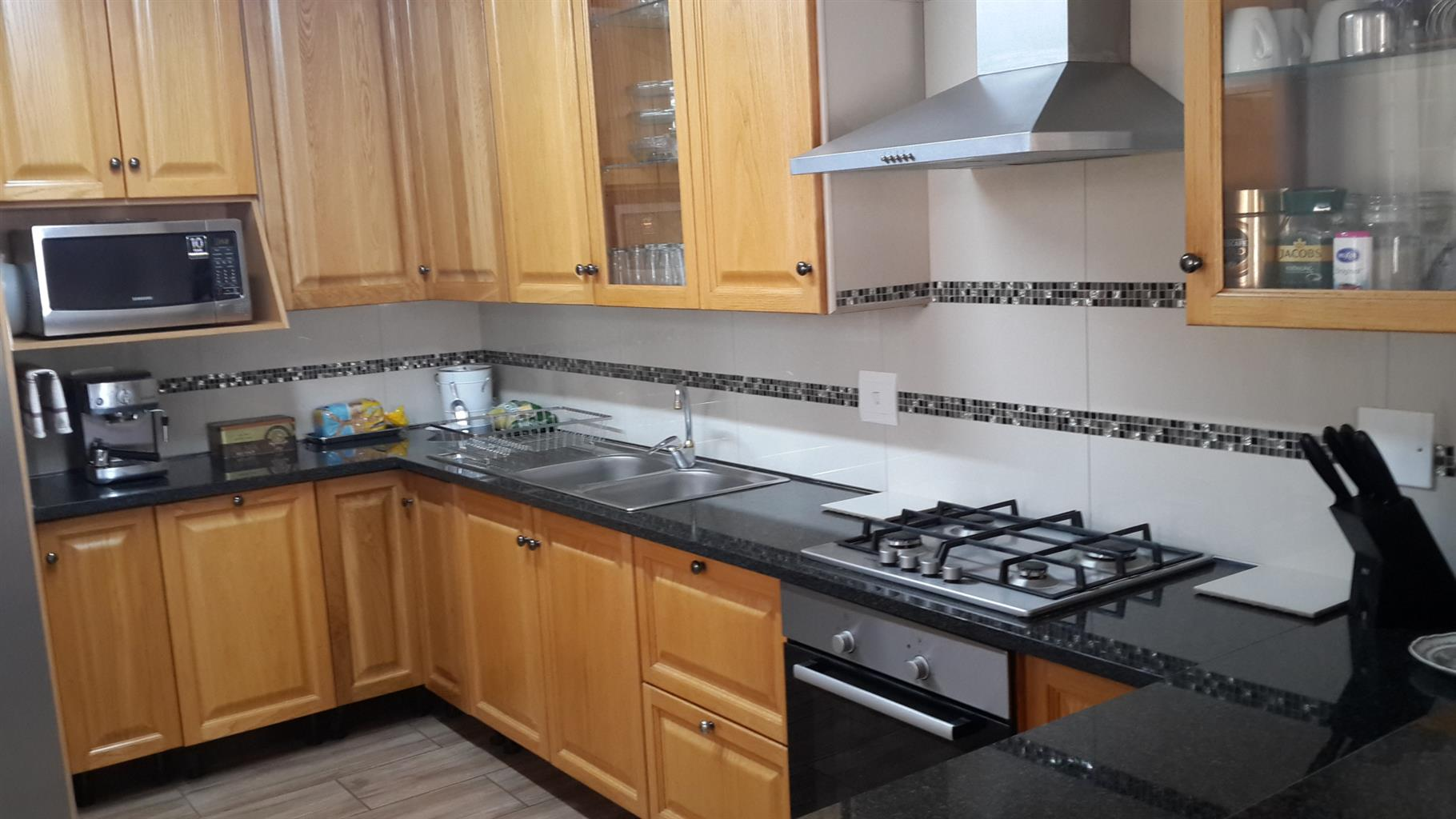 Immaculate 3 bedroom Townhouse in Monument Park For Sale