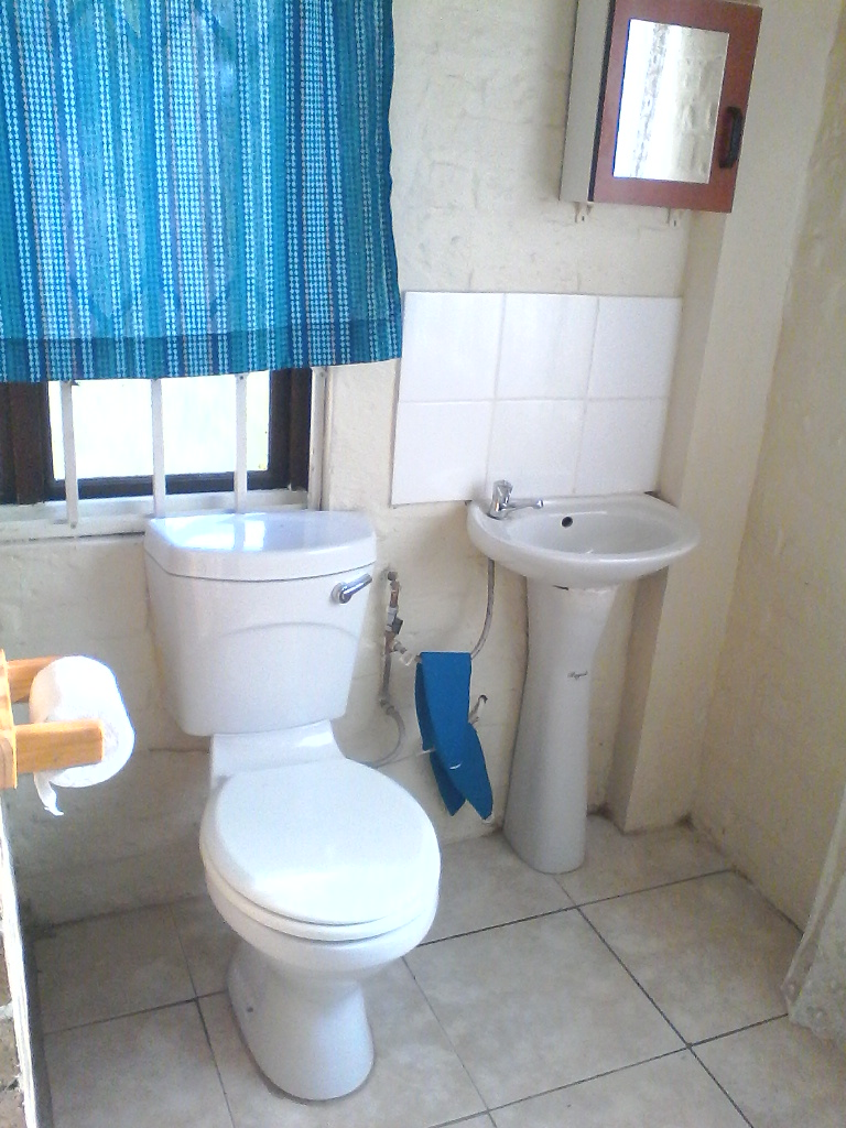 Bachelor pad to rent in SeaView , Durban