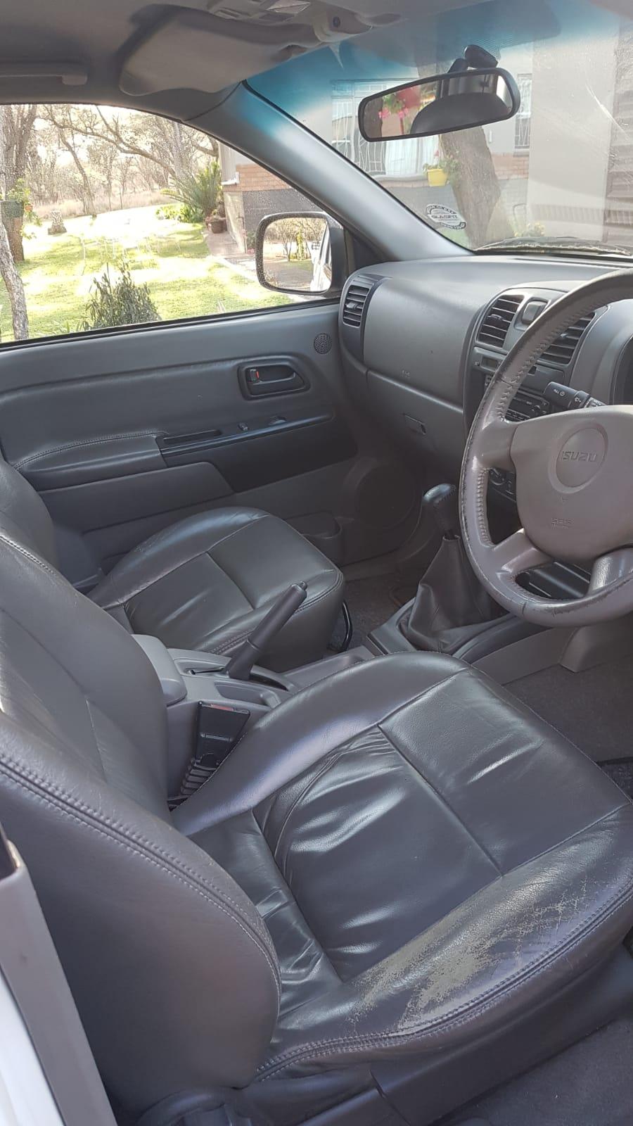 2005 Isuzu KB 300TDI double cab LX