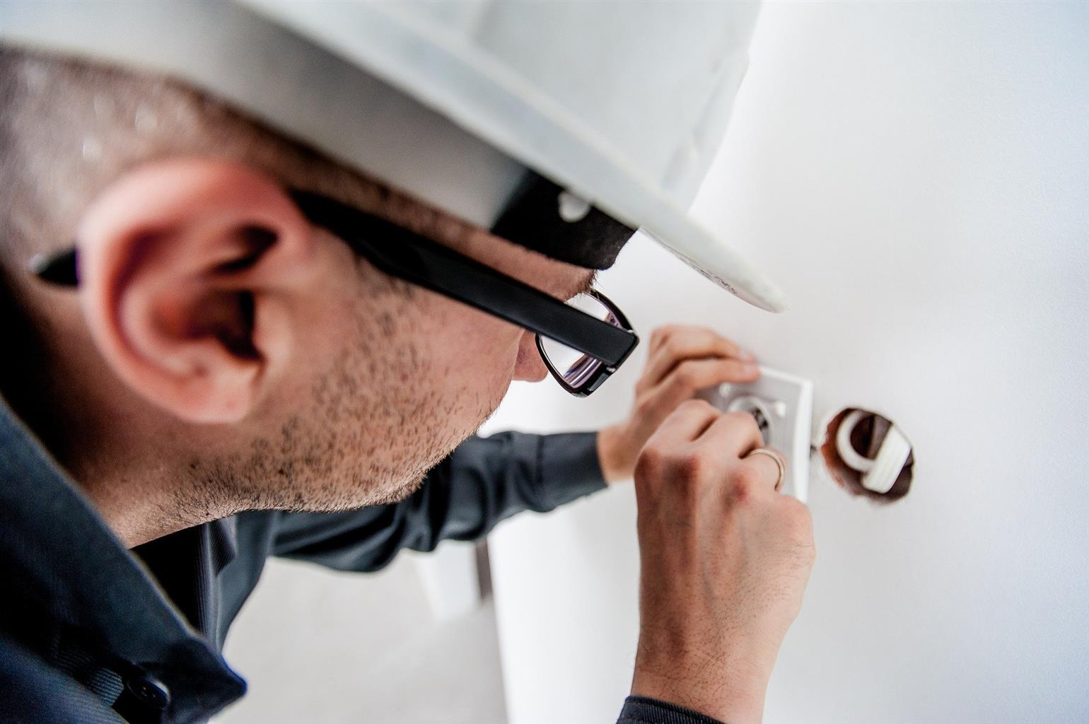 ⚡Electricians Available 24/7⚡