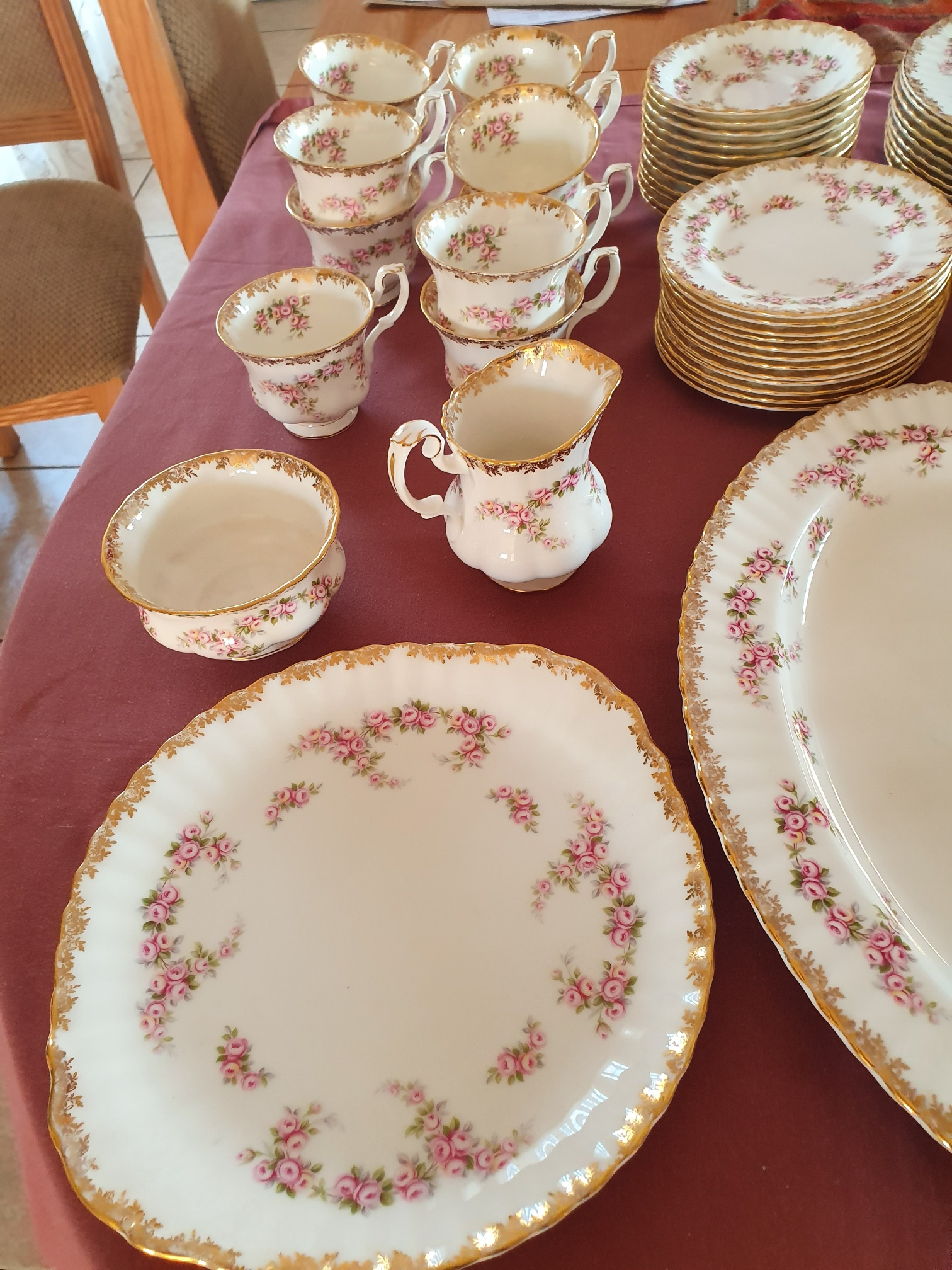ROYAL ALBERT DIMITY ROSE PLATES,SAUCERS AND CUPS