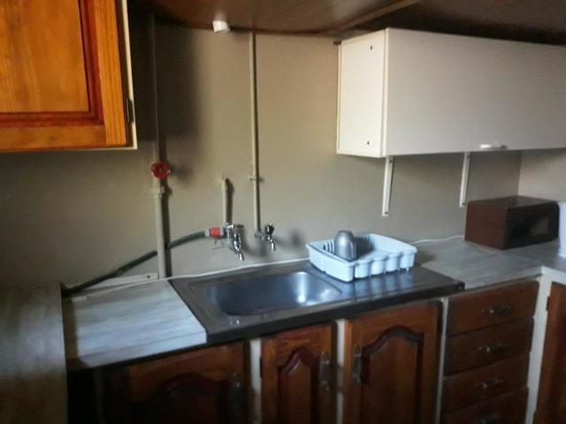 Three dwellings in one - 5 bed 4 bath house in Primrose Germiston
