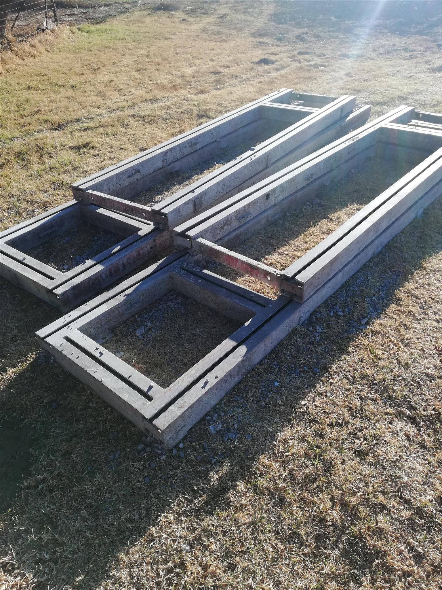 Chassis straightening frame