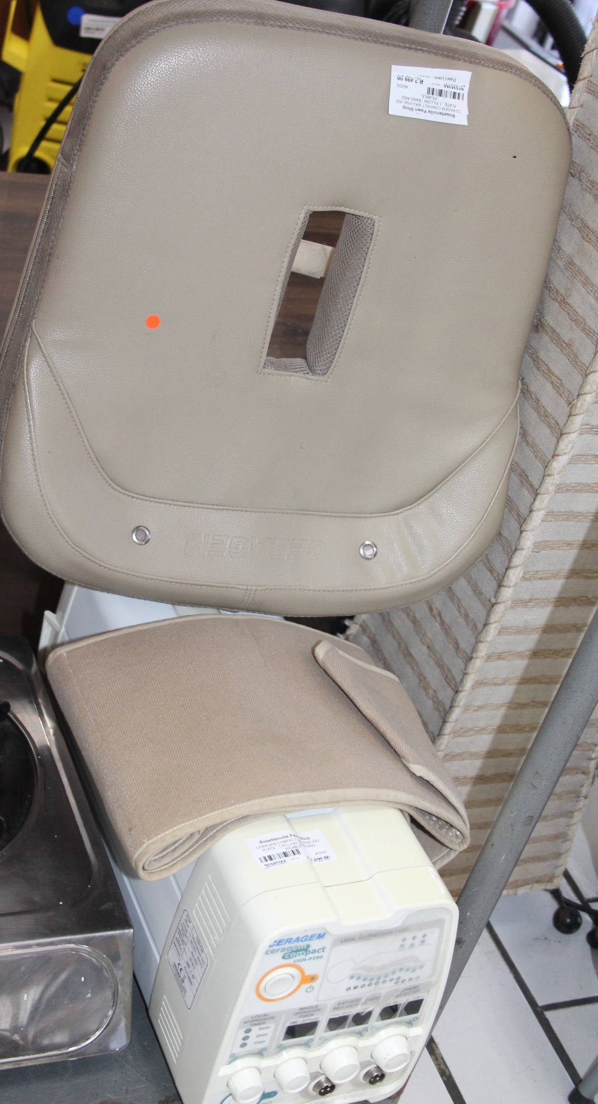 S033538A Ceragem compact machine with 2 plate and pillow #Rosettenvillepawnshop
