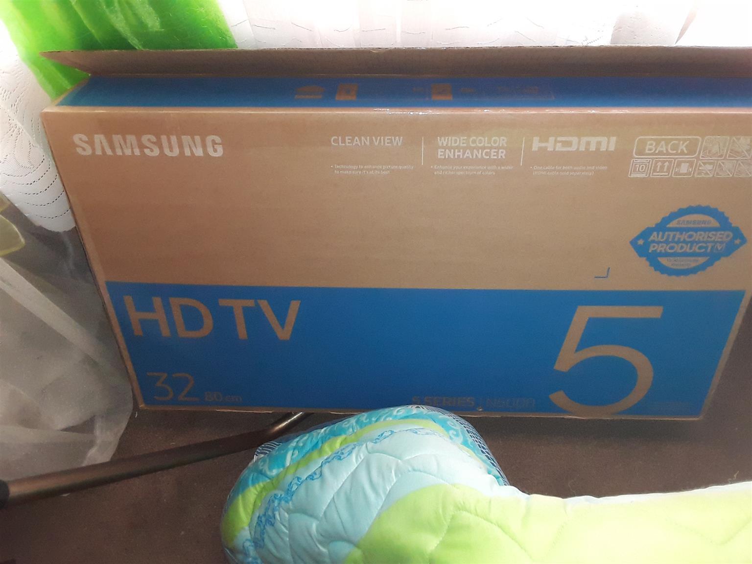 """32""Samsung HD flatscreen tv for sale"