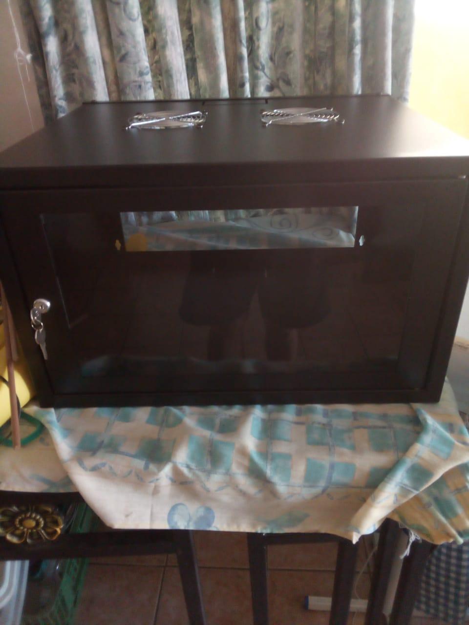 6u wallbox / network cabinets / server racks for sale. Black with glass doors. Brand new