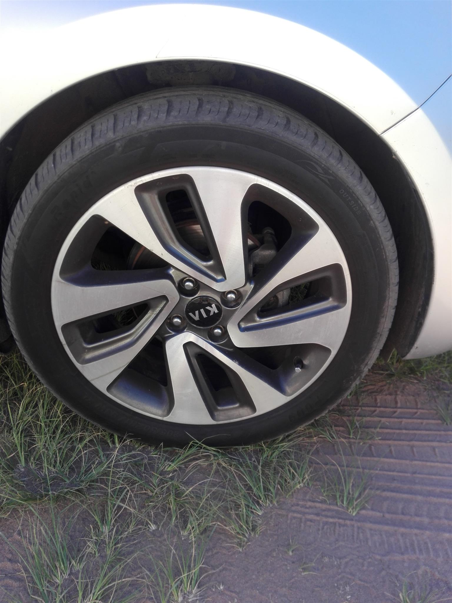 2015 Kia Rio 1.4 4 door high spec