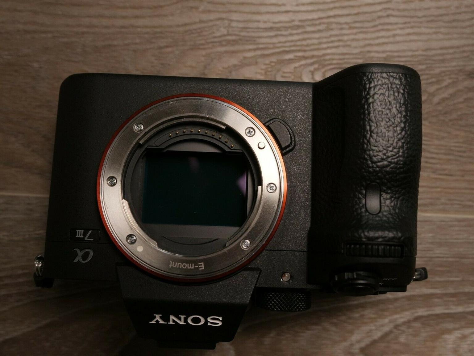 Mint Alpha A7III Mirrorless Sony with lens