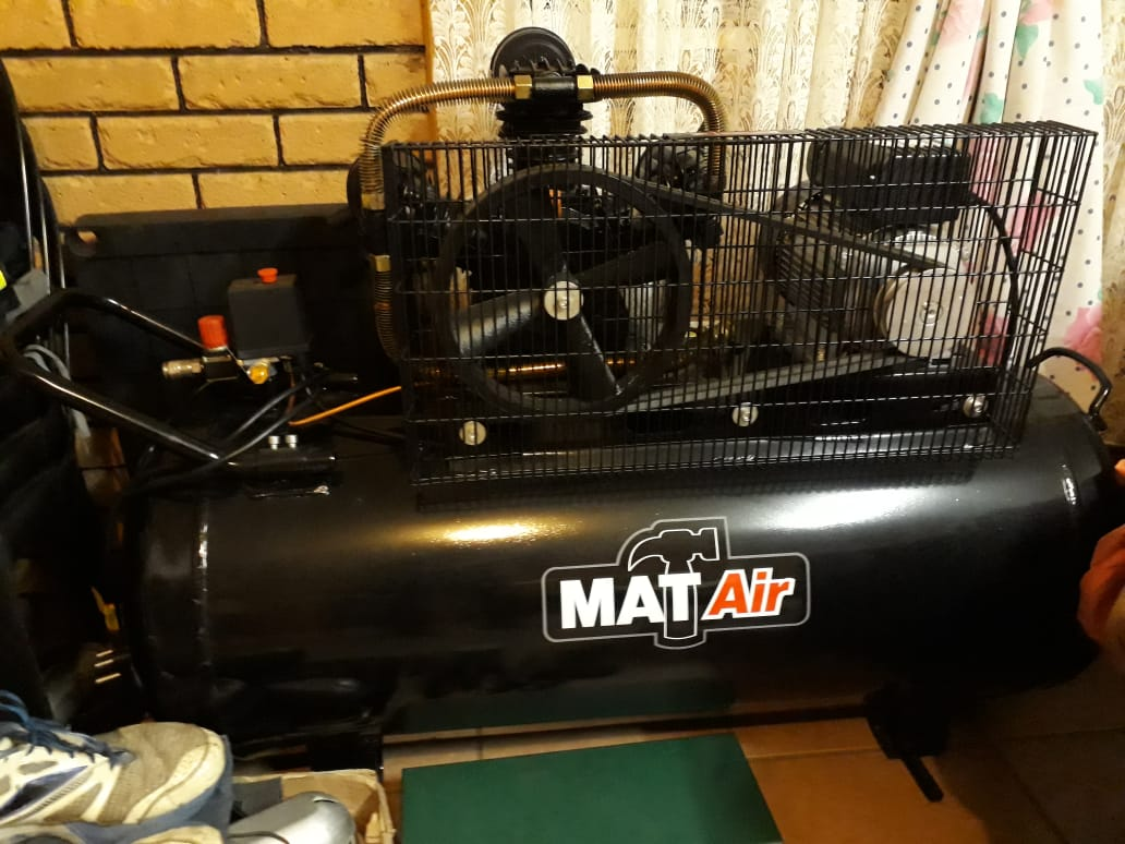 200L  MAT AIR COMPRESSOR