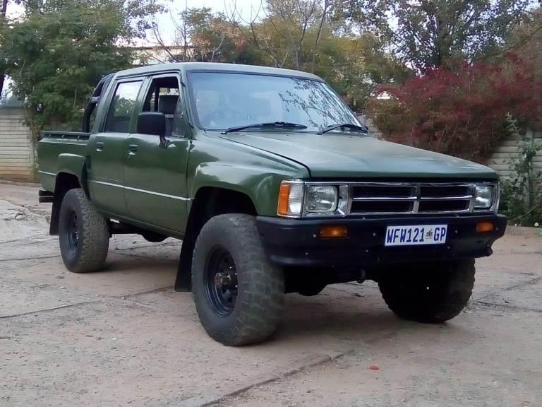 1985 toyota hilux diesel