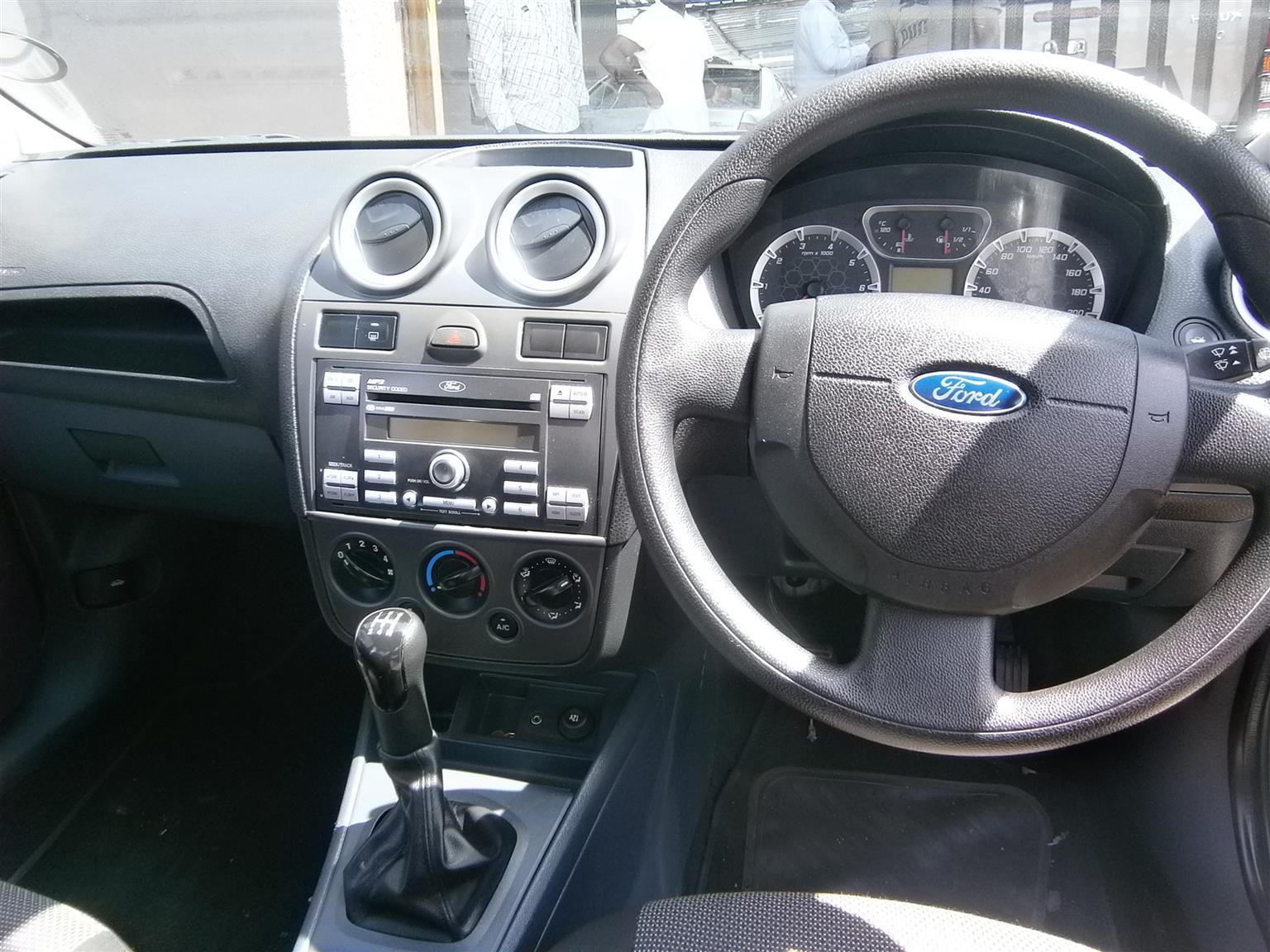 2014 Ford Ikon 1.6 Ambiente