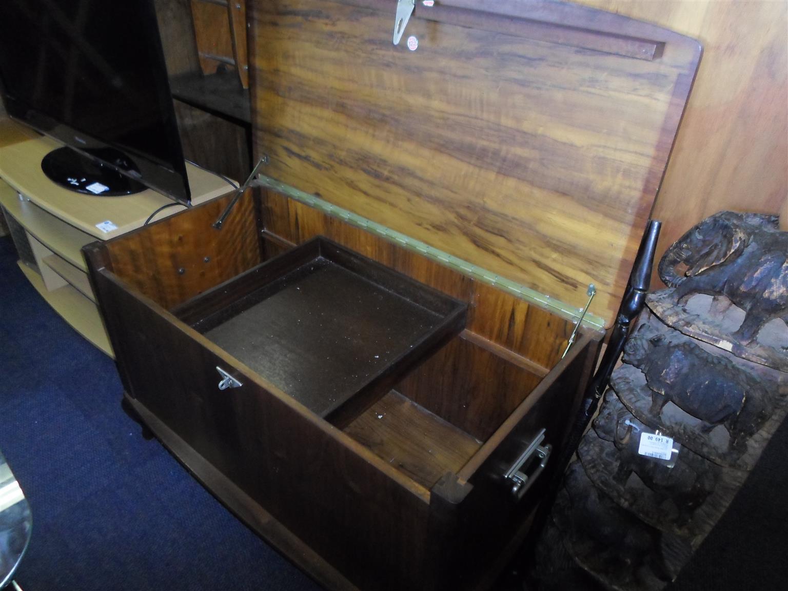 Wooden Kist- for