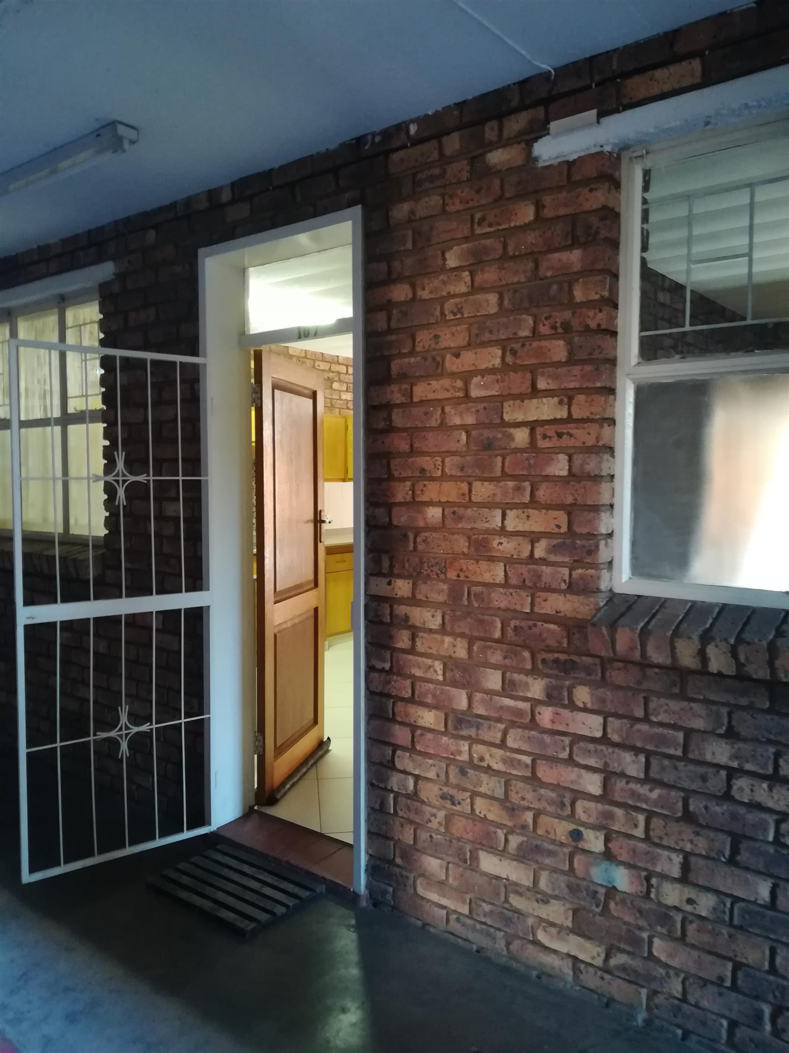Beautiful ground floor unit for sale in Pretoria North