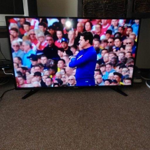 """40"""" hisense full HD led TV"""