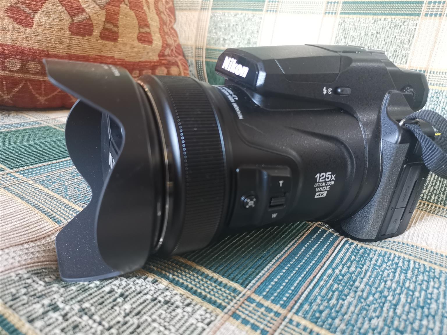 Nikon P1000 DSLR camera