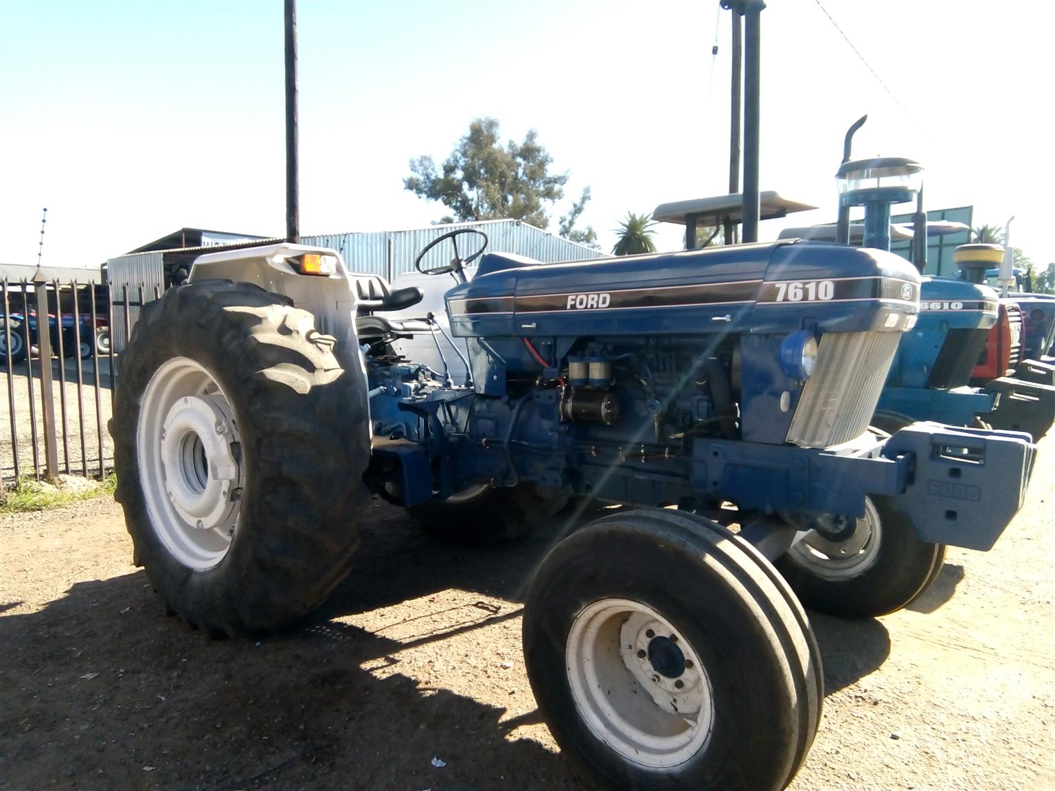 S3008 Blue Ford 7610 2x4 Pre-Owned Tractor