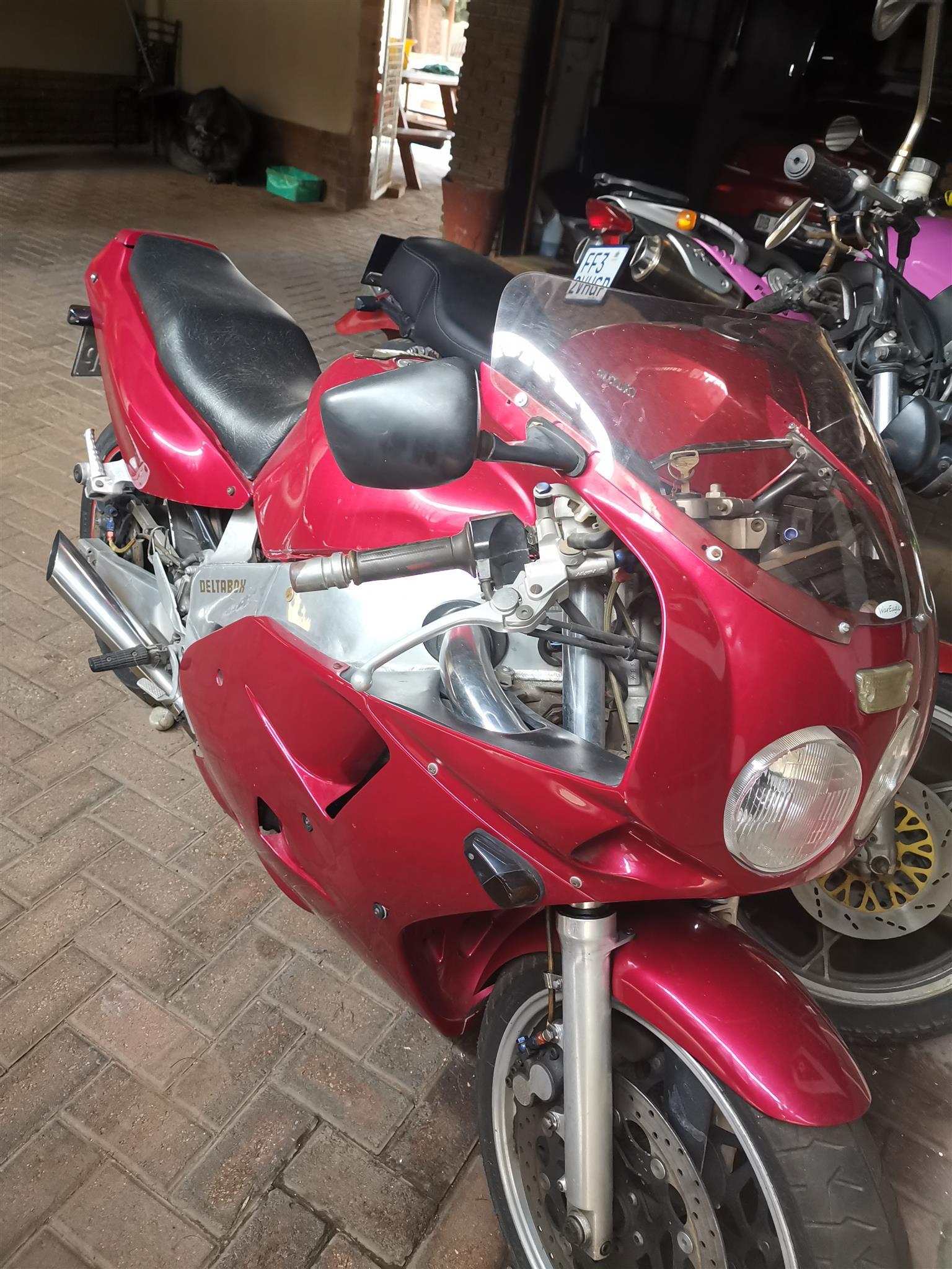 1993 Yamaha FZR
