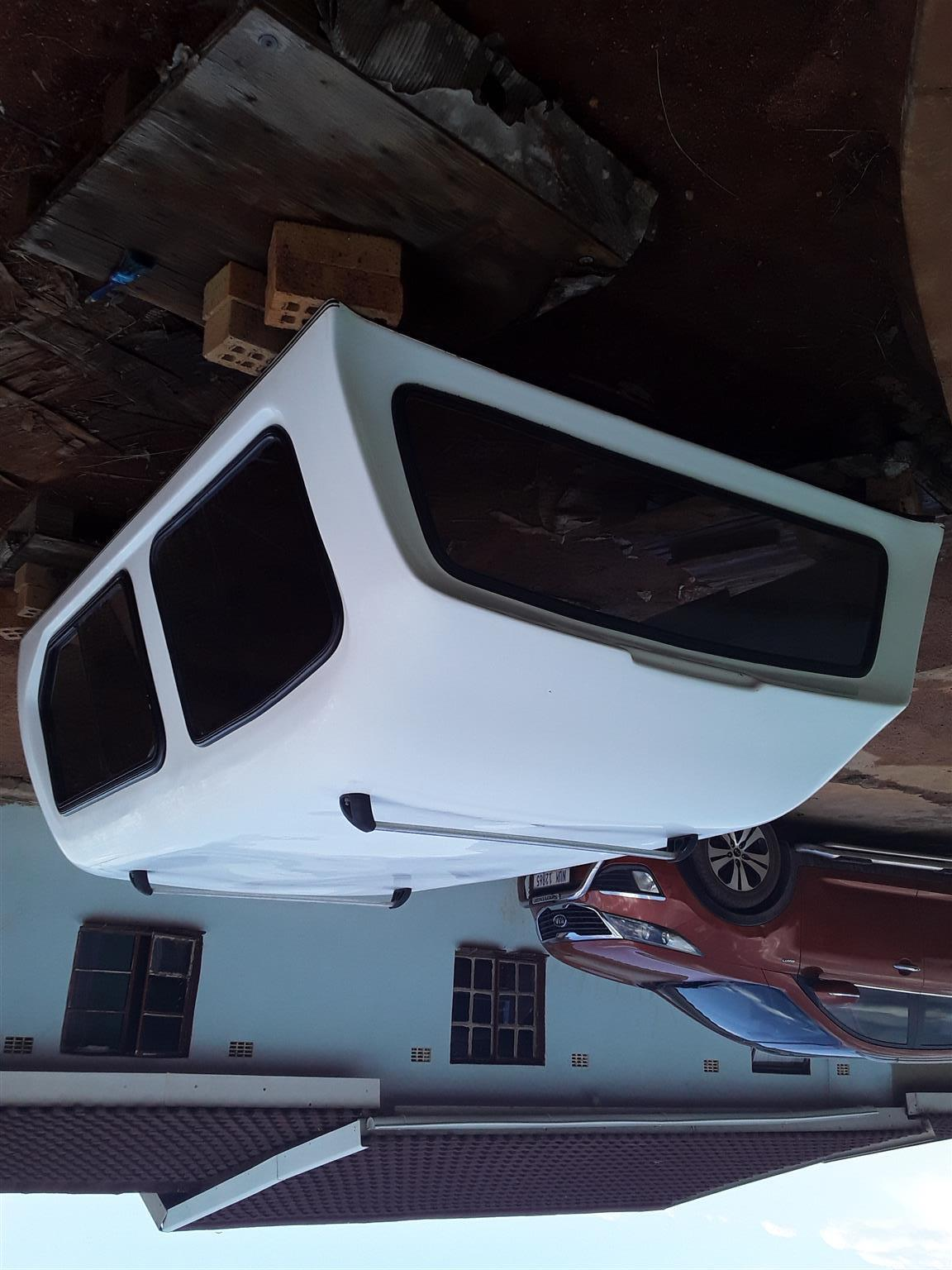 am selling ford ranger canopy