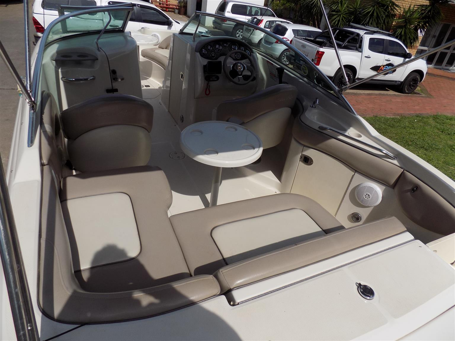 searay 220 sd on  double trailer mercruiser 350 mag mpi